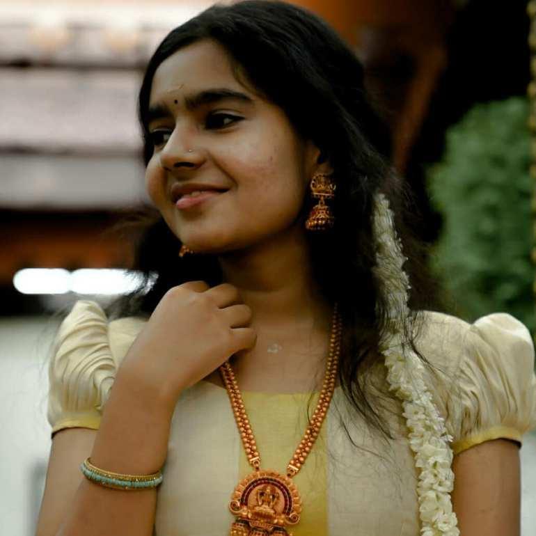 Lakshmi Unnikrishnan (Chakkapazham fame) Wiki, Age, Biography, Movies, and 33+ Beautiful Photos 121