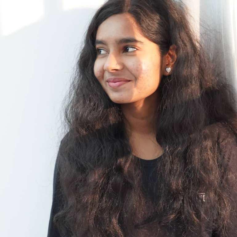 Lakshmi Unnikrishnan (Chakkapazham fame) Wiki, Age, Biography, Movies, and 33+ Beautiful Photos 128