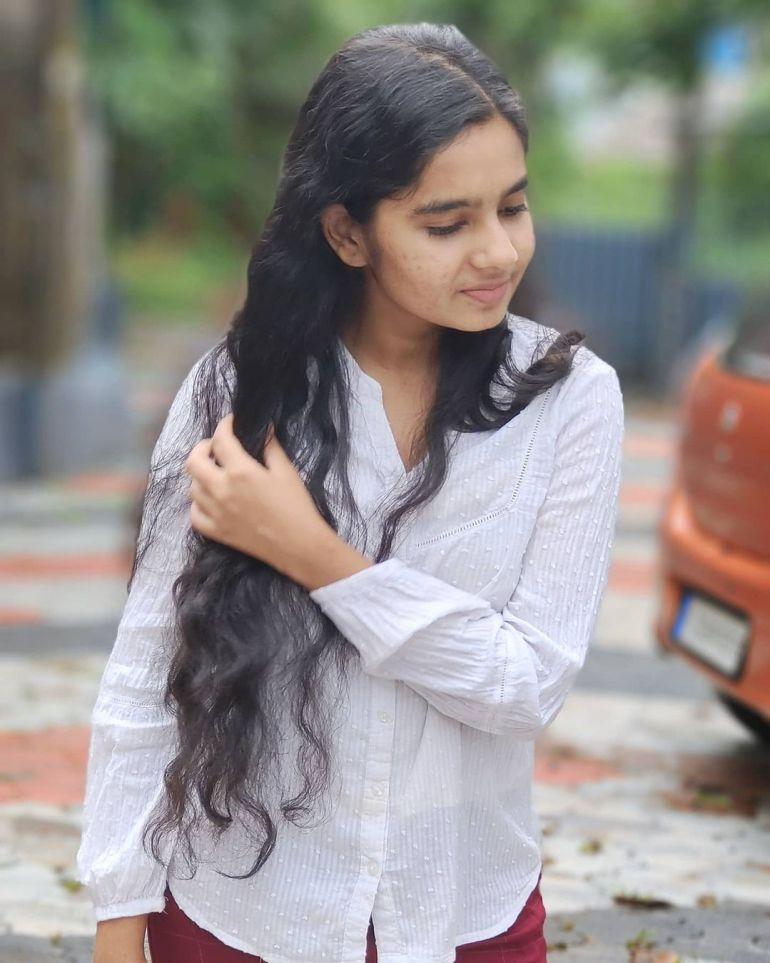 Lakshmi Unnikrishnan (Chakkapazham fame) Wiki, Age, Biography, Movies, and 33+ Beautiful Photos 127
