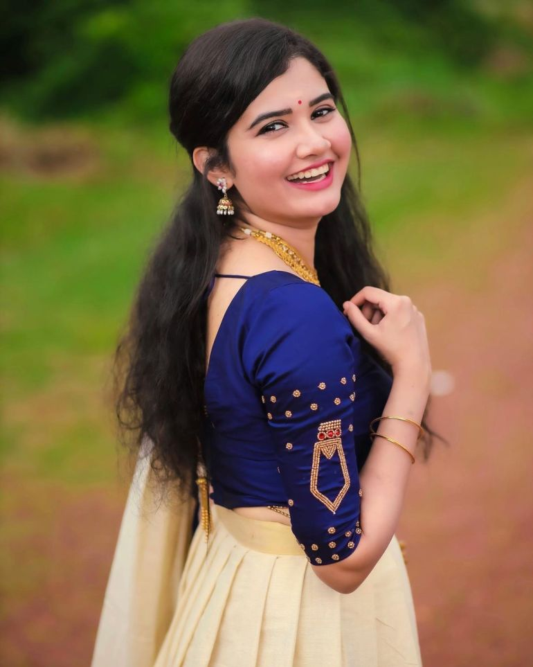 Aiswarya Unni Wiki, Age, Biography, Movies and Beautiful Photos 119