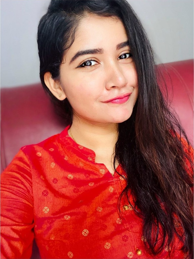 Aiswarya Unni Wiki, Age, Biography, Movies and Beautiful Photos 105