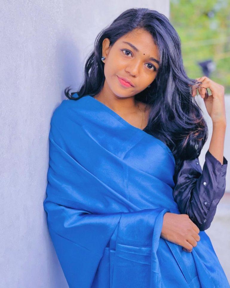 Amala Shaji Wiki, Age, Biography, Net worth, and Beautiful Photos 99