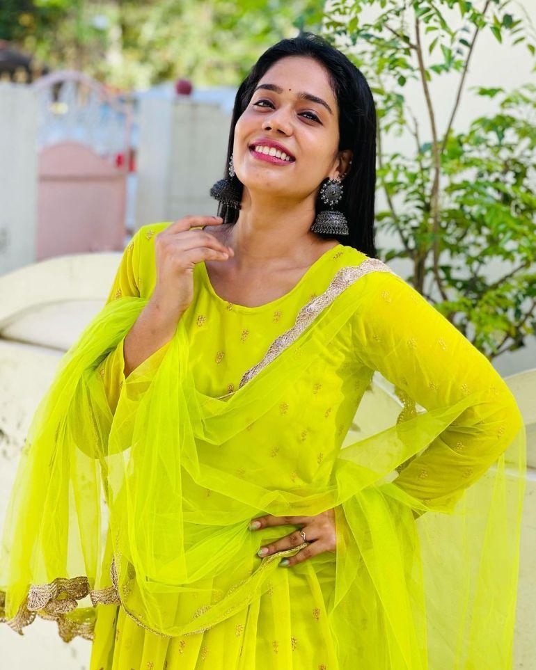 Athira Madhav Wiki, Age, Biography, Net worth, and 21 + Beautiful Photos 107