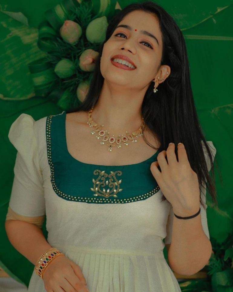 Athira Madhav Wiki, Age, Biography, Net worth, and 21 + Beautiful Photos 116