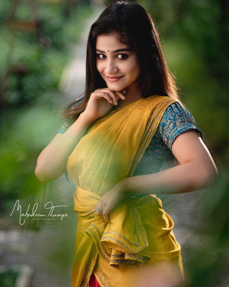 Jasnya Jayadeesh Wiki, Age, Biography, Net worth, and 18 + Beautiful Photos 112