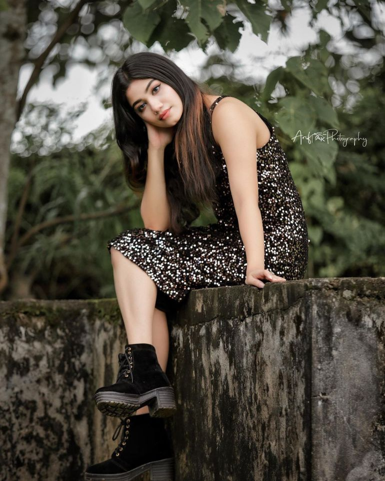 Jasnya Jayadeesh Wiki, Age, Biography, Net worth, and 18 + Beautiful Photos 105