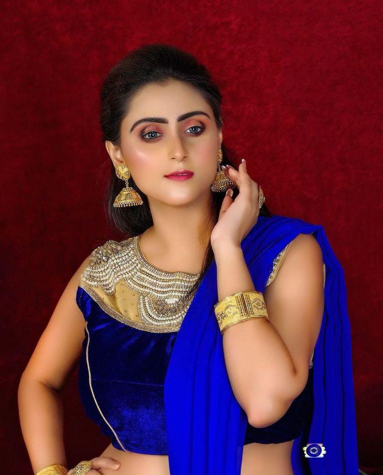 Bengali Model Priya Chakraborty Wiki, Age, Biography, Movies, and 36+ Beautiful Photos 126