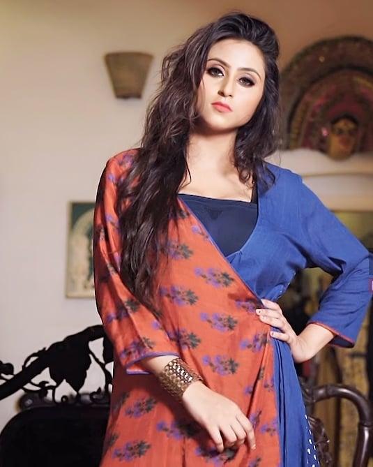 Bengali Model Priya Chakraborty Wiki, Age, Biography, Movies, and 36+ Beautiful Photos 107
