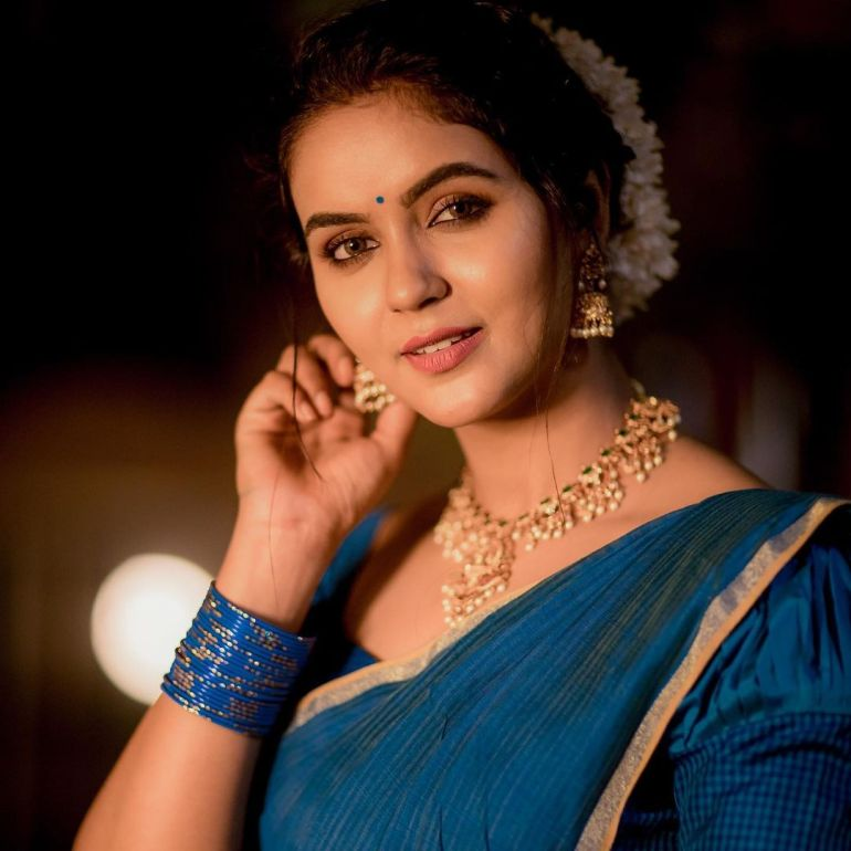 Chaitra Reddy Wiki, Age, Biography, Movies, and 24+ Beautiful Photos 109