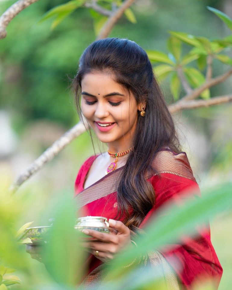 Chaitra Reddy Wiki, Age, Biography, Movies, and 24+ Beautiful Photos 114