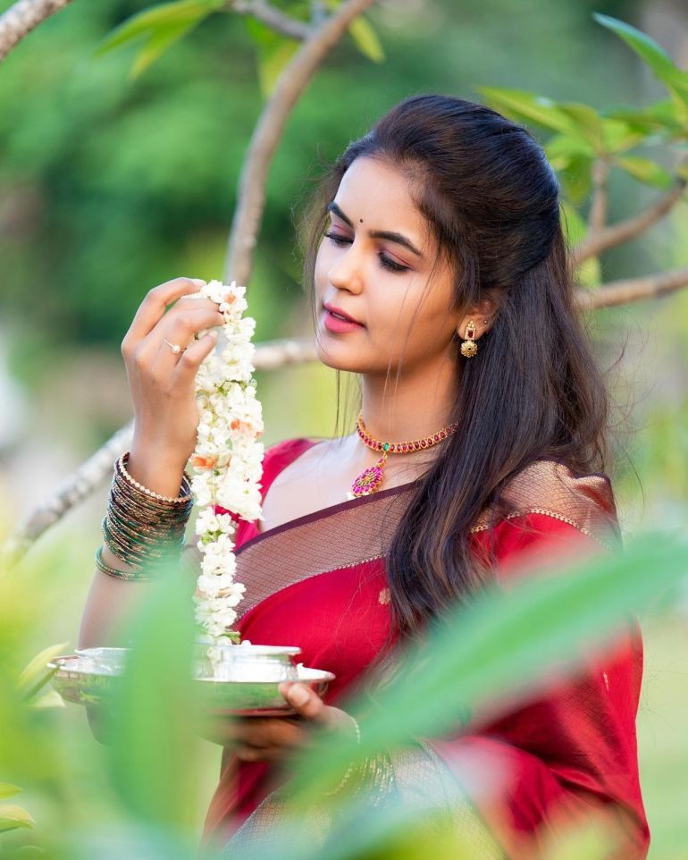 Chaitra Reddy Wiki, Age, Biography, Movies, and 24+ Beautiful Photos 115