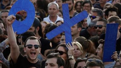 greece-bailout-referendum-euro3.si