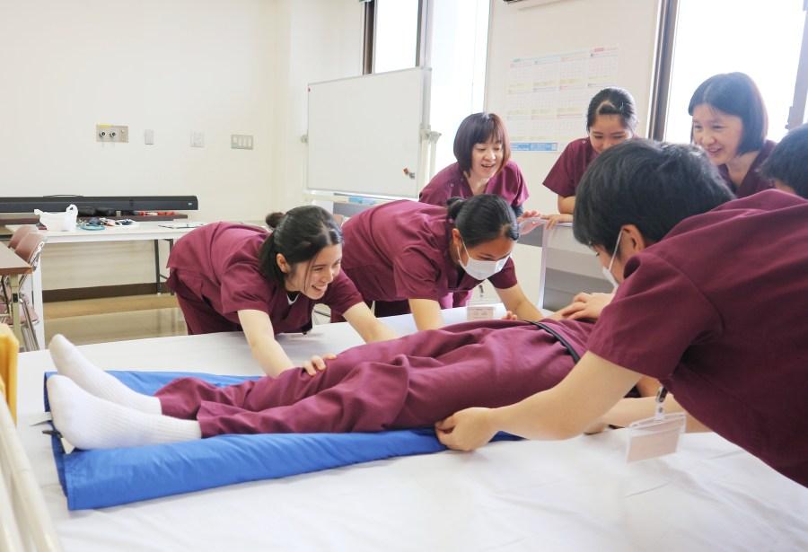 スライダーを使用した患者移動体験