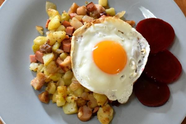 スウェーデンの焼き飯?残り物のじゃが芋と肉炒めピッティパンナ Pyttipanna
