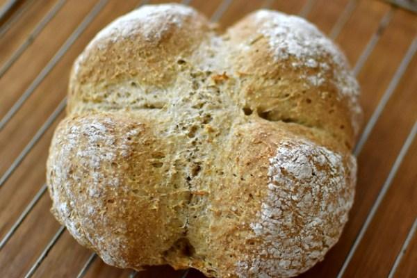 【番外編】雑に作るほど成功!アイルランドの全粒粉入りソーダブレッド Irish Soda Bread
