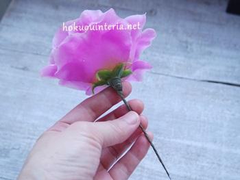 100均のバラで作る花かんむり