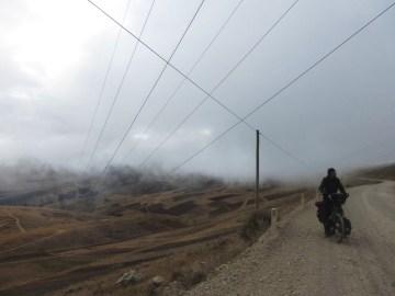 Unterwegs nach Pampas: im Nebel und eisiger Kälte