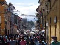 Fanzug durch Ayacucho