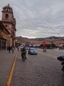 ...und über die Plaza de Armas.