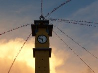 schöne Uhr, falsche Zeit (Plaza de Armas, Talavera)