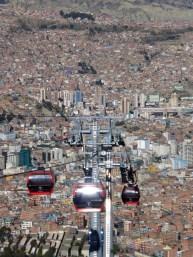 neu eingeweihtes Prestigeprojekt: Seilbahn verbindet La Paz mit El Alto