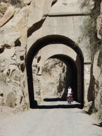 Tunnel um Tunnel um Tunnel
