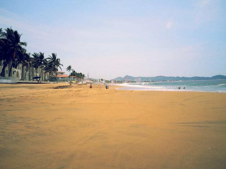playa-de-manzanillo-colina