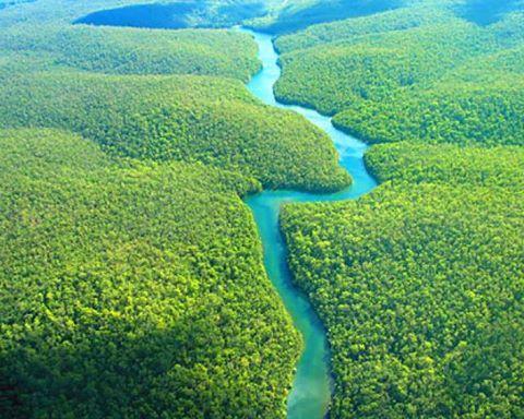 rio-caroni-en-venezuela