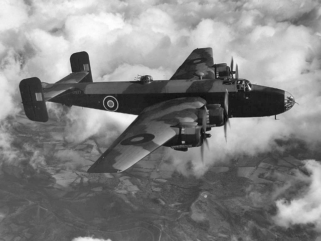 Det var et britisk Halifax-fly som dette, der blev skudt ned øst for Holbæk.