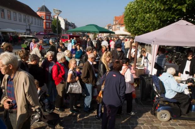 Lørdag var der Torvemarked i Holbæk Foto: Michael Johannessen