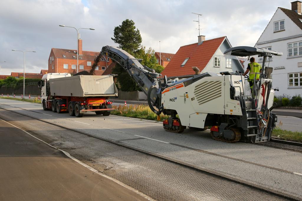 Nu lægges der ny asfalt på Valdemar Sejrsvej