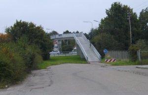Det var ved denne gangbro, at en 22-årig mand blev udsat for røveri. Foto: Rolf Larsen.
