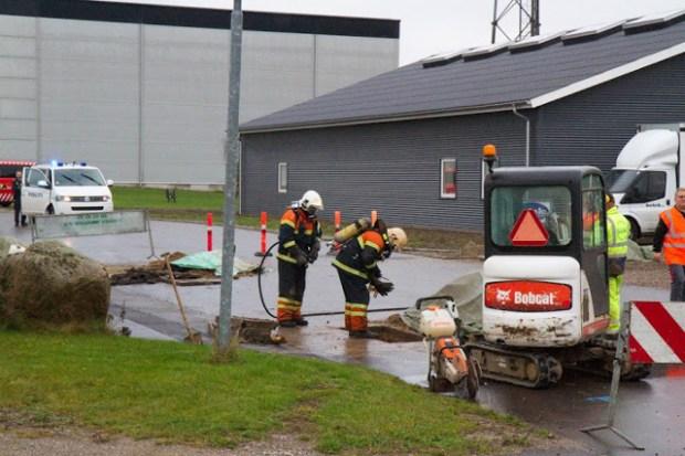 En gasledning blev gravet over i Regstrup torsdag formiddag. Foto: Michael Johannessen