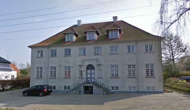 Multihus Isefjorden skal sælges. Det har byrådet besluttet. Foto: Google Streetview.
