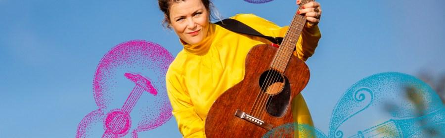 Stine Michel og EventyrOrkesteret spiller onsdag på Murerpladsen i Holbæk. PRfoto.