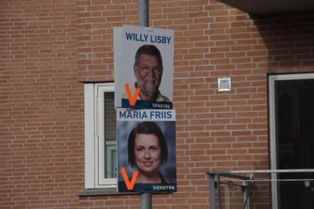 Venstre fik hængt flest plakater op i Holbæk by i nat. Foto: Rolf Larsen.