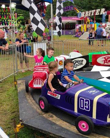 kids at Holbrook carnival