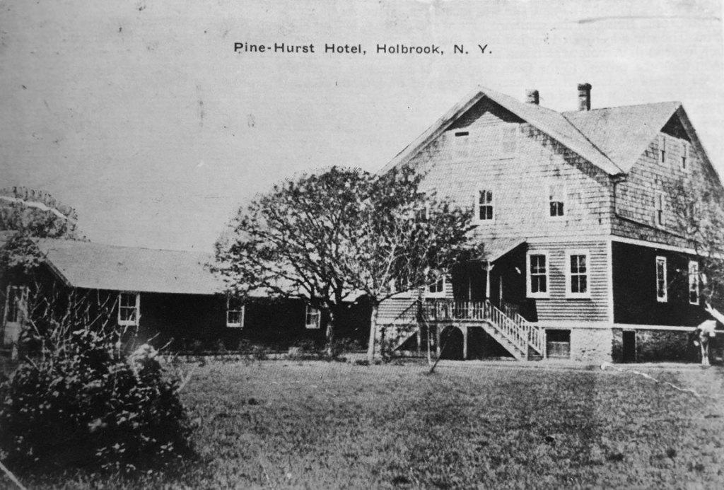 Pine-Hurst Hotel, Holbrook, NY - c.1914