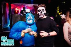 DIY Halloween Ideas geanie and skeleton