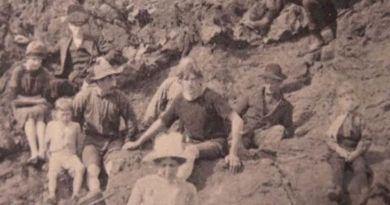 Időutazót fotóztak 1917-ben?