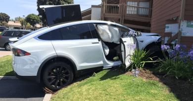 Kurva szar autók – a Tesla a vámháború legnagyobb vesztese