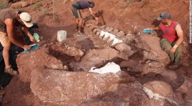 Hatalmas dínócsontokat találtak Argentínában - talán az eddig felfedezett legnagyobb fajét