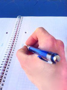 Jak poprawnie napisać pracę dyplomową?