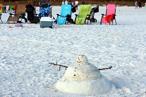Sandy Snowman  |  Christmas in Siesta Key, Florida