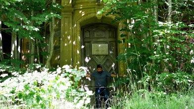 Peter at Dunalstair door, 9 July 2014