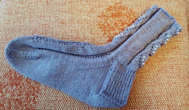 kunzite-socks-carol-6aug16-one