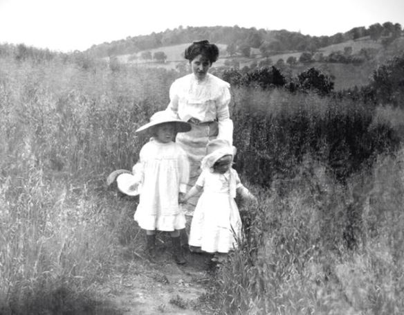 Susan R Scott and daughters - my favourite image.