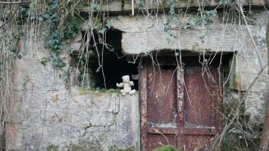 Glenhove tomb - visited by Peter Gordon 12 April 2021 (5)