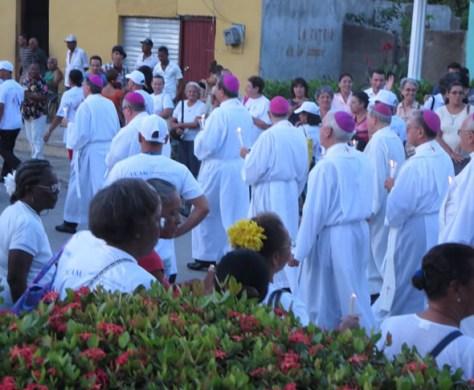Los obispos peregrinan con el pueblo