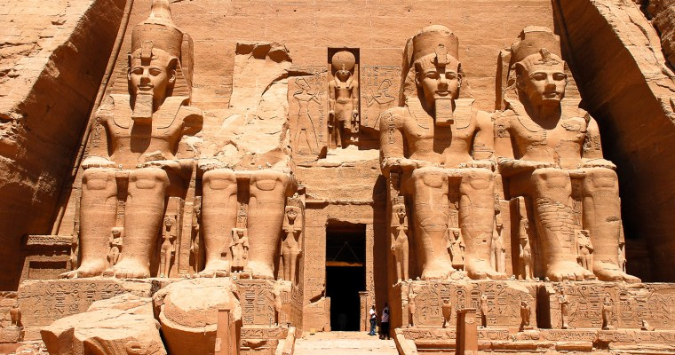 A Day Trip to Abu Simbel – tricky but possible!